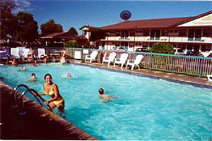 Howard Johnson Inn pool area
