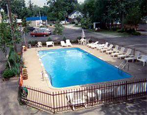 Knight's Inn pool